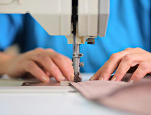 Fırsatçılar yine işbaşında! Bazı tekstil firmaları doları fırsat bilip yüzde 30 zam yaptı