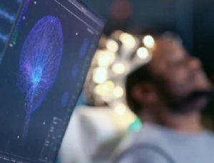 ABD'de felçli insanın beyni ilk kez kablosuz olarak bilgisayara bağlandı