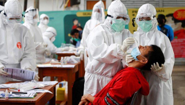 Endonezya'da büyük skandal! Korona testleri için kullanılan nazal çubukları yıkayıp yeniden satmışlar