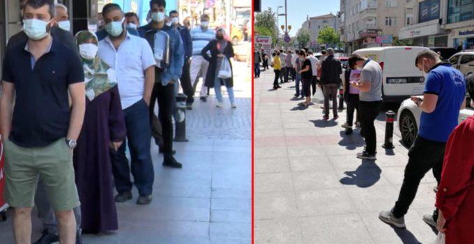 İstanbullular sıcak ekmek için uzun kuyruklar oluşturdu